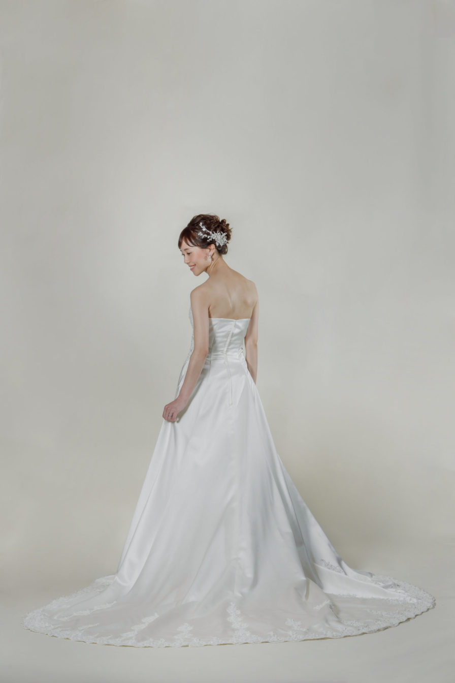 洋装 ウェディング ドレス 前撮り 後ろ向き画像 W902 スタンダードコレクション