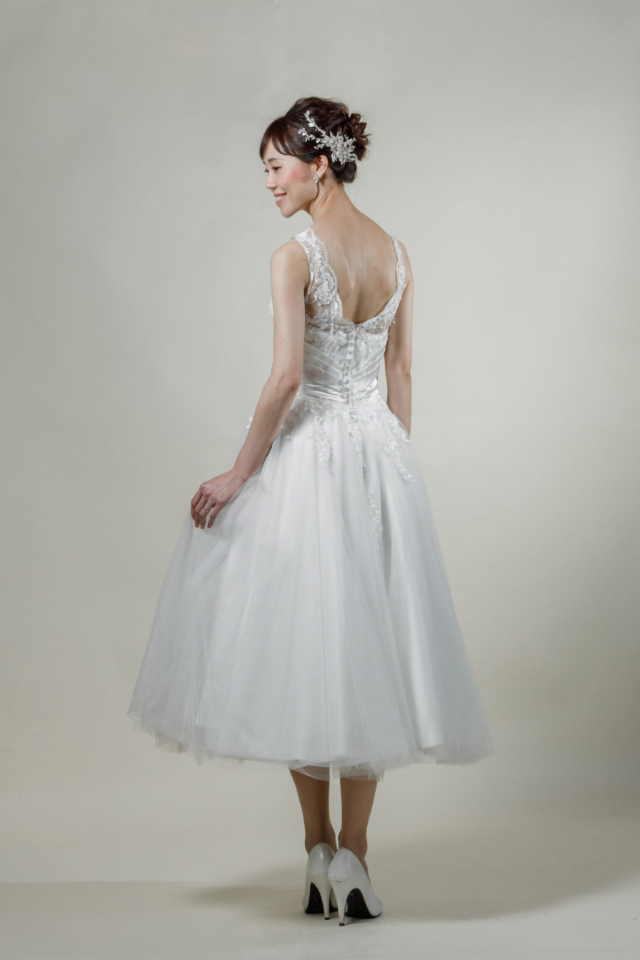 洋装 ウェディング ドレス 前撮り 後ろ向き画像 W913 スタンダードコレクション
