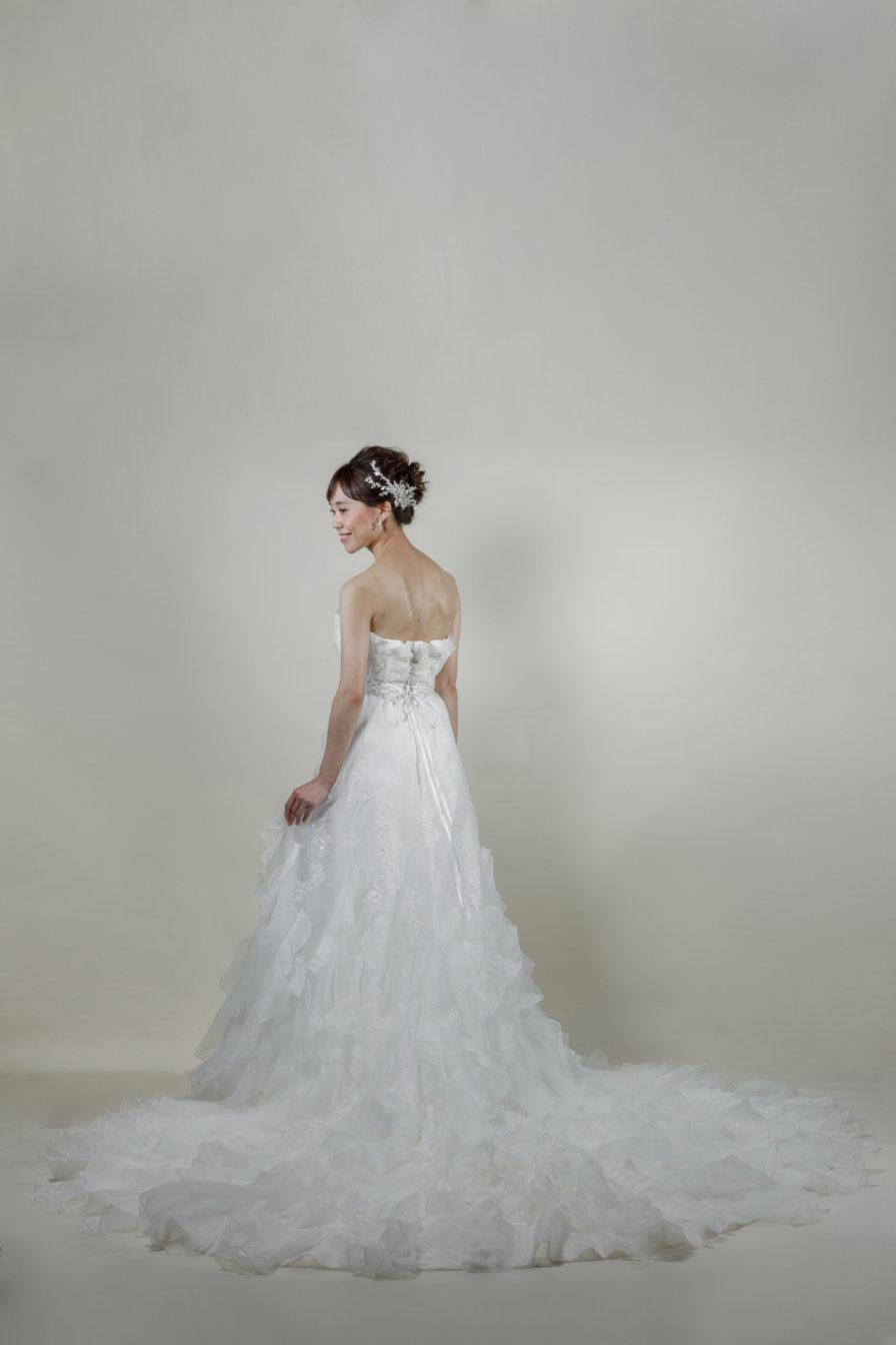 洋装 ウェディング ドレス 前撮り 後ろ向き画像 W917-A スタンダードコレクション