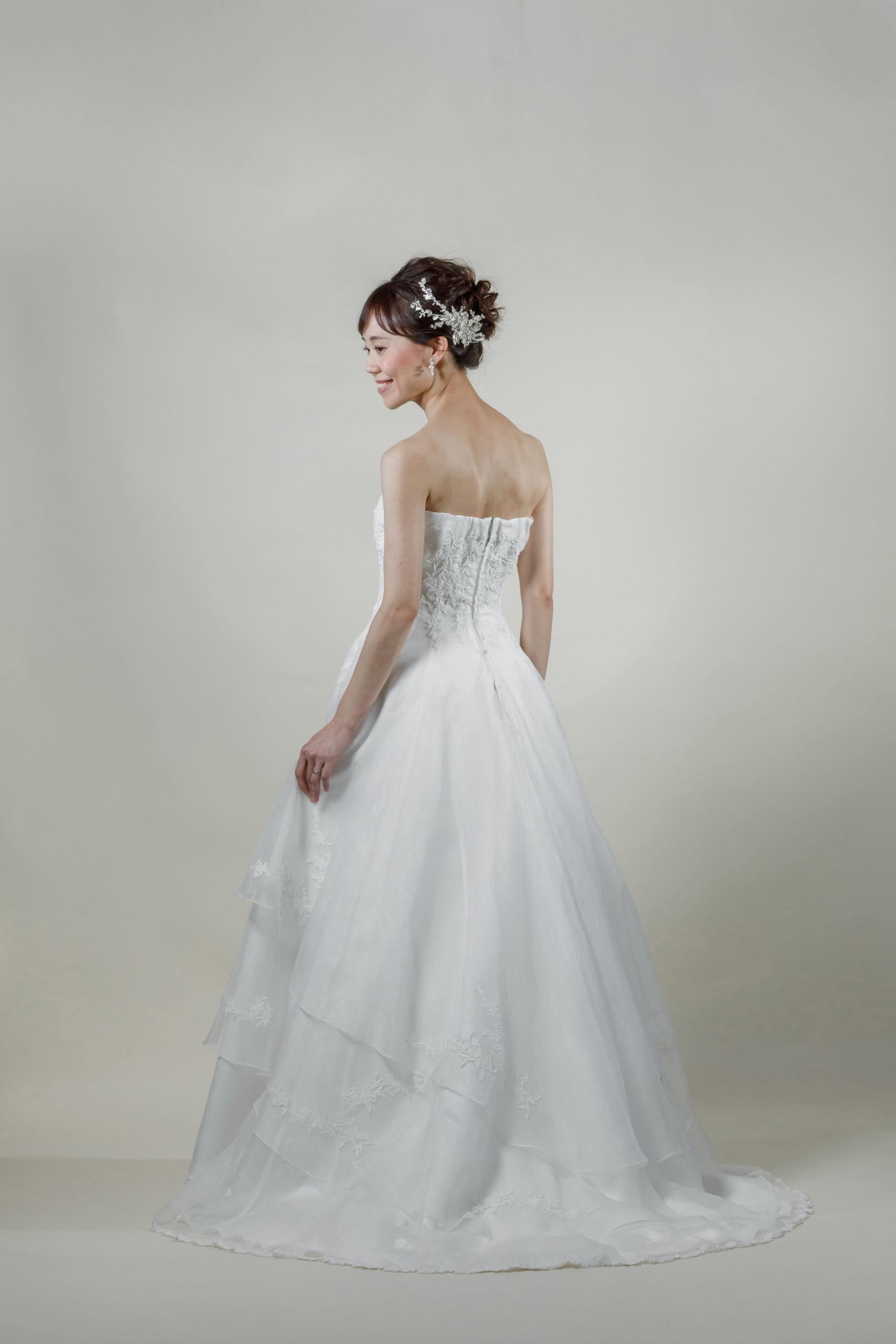 洋装 ウェディング ドレス 前撮り 後ろ向き画像 W918 スタンダードコレクション