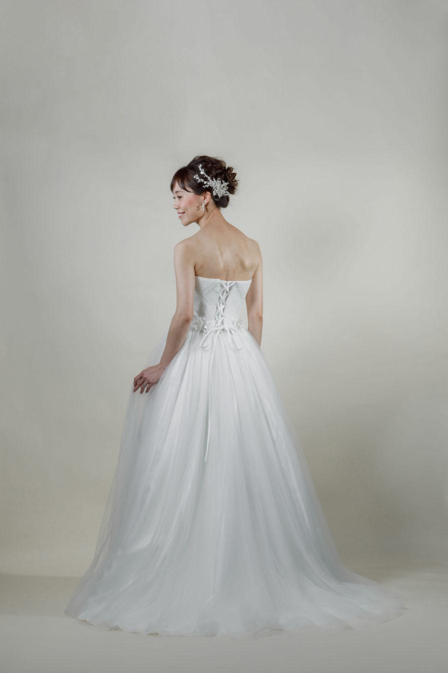 洋装 ウェディング ドレス 前撮り 後ろ向き画像 FR-17004A ラグジュアリーコレクション