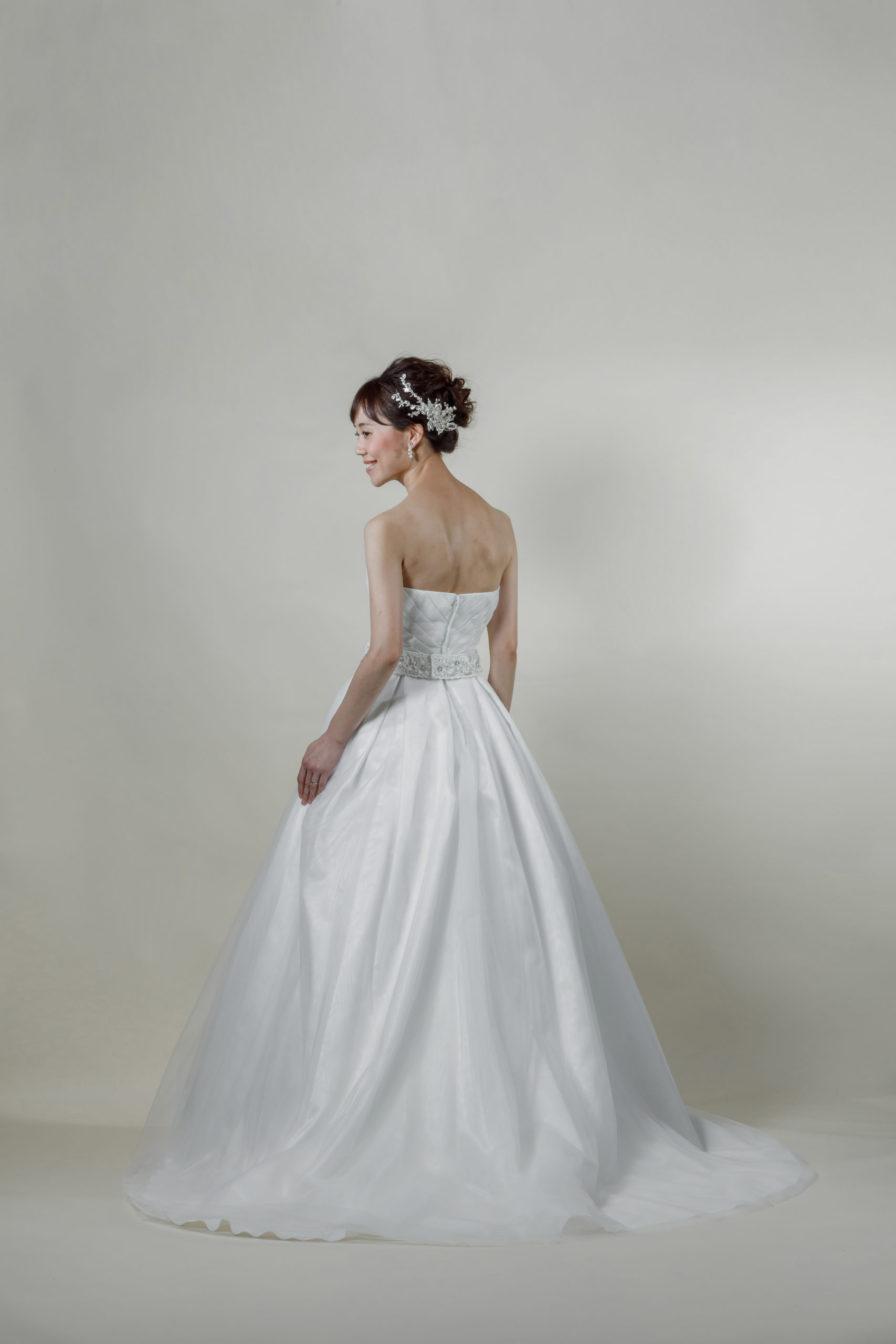 洋装 ウェディング ドレス 前撮り 後ろ向き画像 FR-17009A ラグジュアリーコレクション