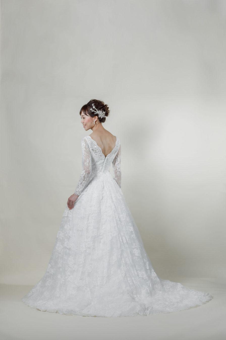 洋装 ウェディング ドレス 前撮り 後ろ向き画像 CH-5240 ラグジュアリーコレクション
