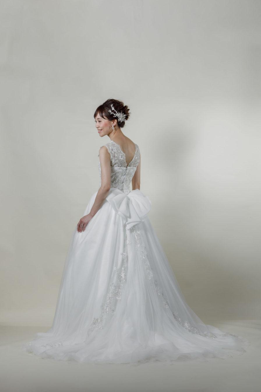 洋装 ウェディング ドレス 前撮り 後ろ向き画像 FR-15018B-A ラグジュアリーコレクション