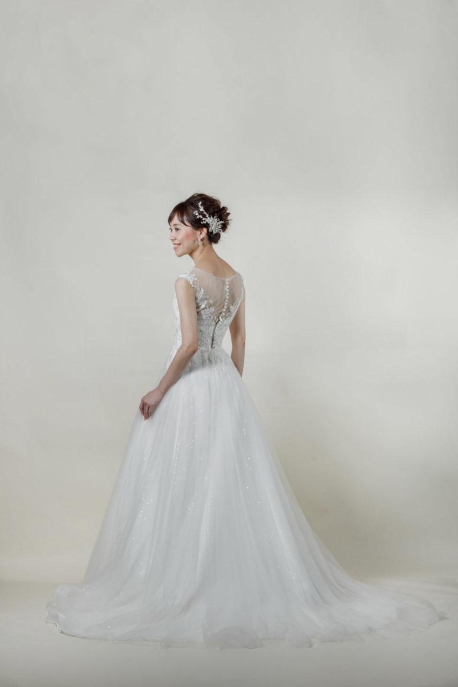 洋装 ウェディング ドレス 前撮り 後ろ向き画像 RI-8008 ラグジュアリーコレクション