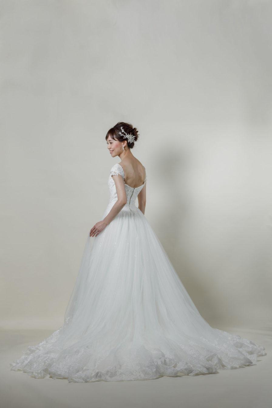 洋装 ウェディング ドレス 前撮り 後ろ向き画像 RI-8001 ラグジュアリーコレクション