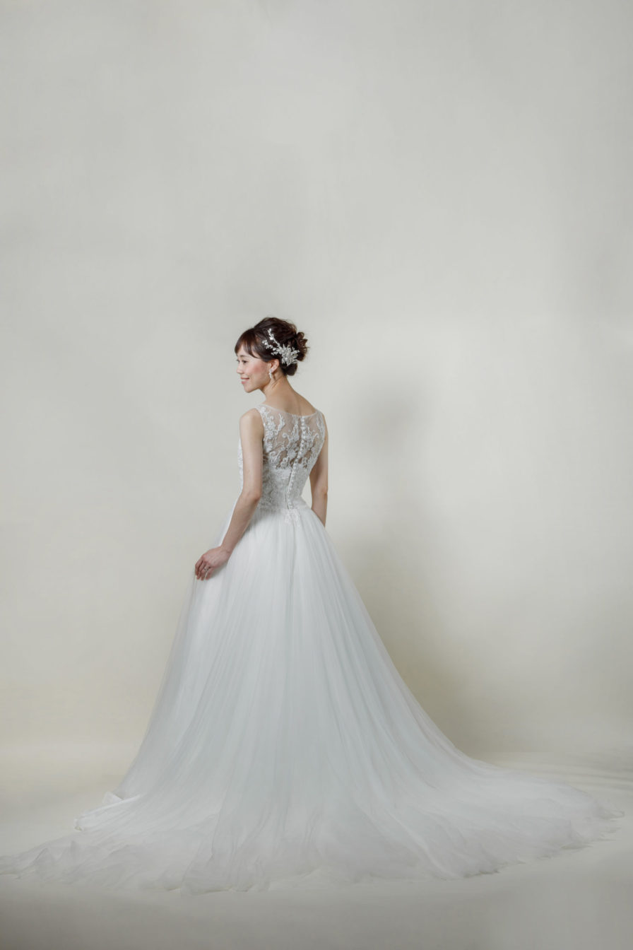 洋装 ウェディング ドレス 前撮り 後ろ向き画像 RI-8013 ラグジュアリーコレクション