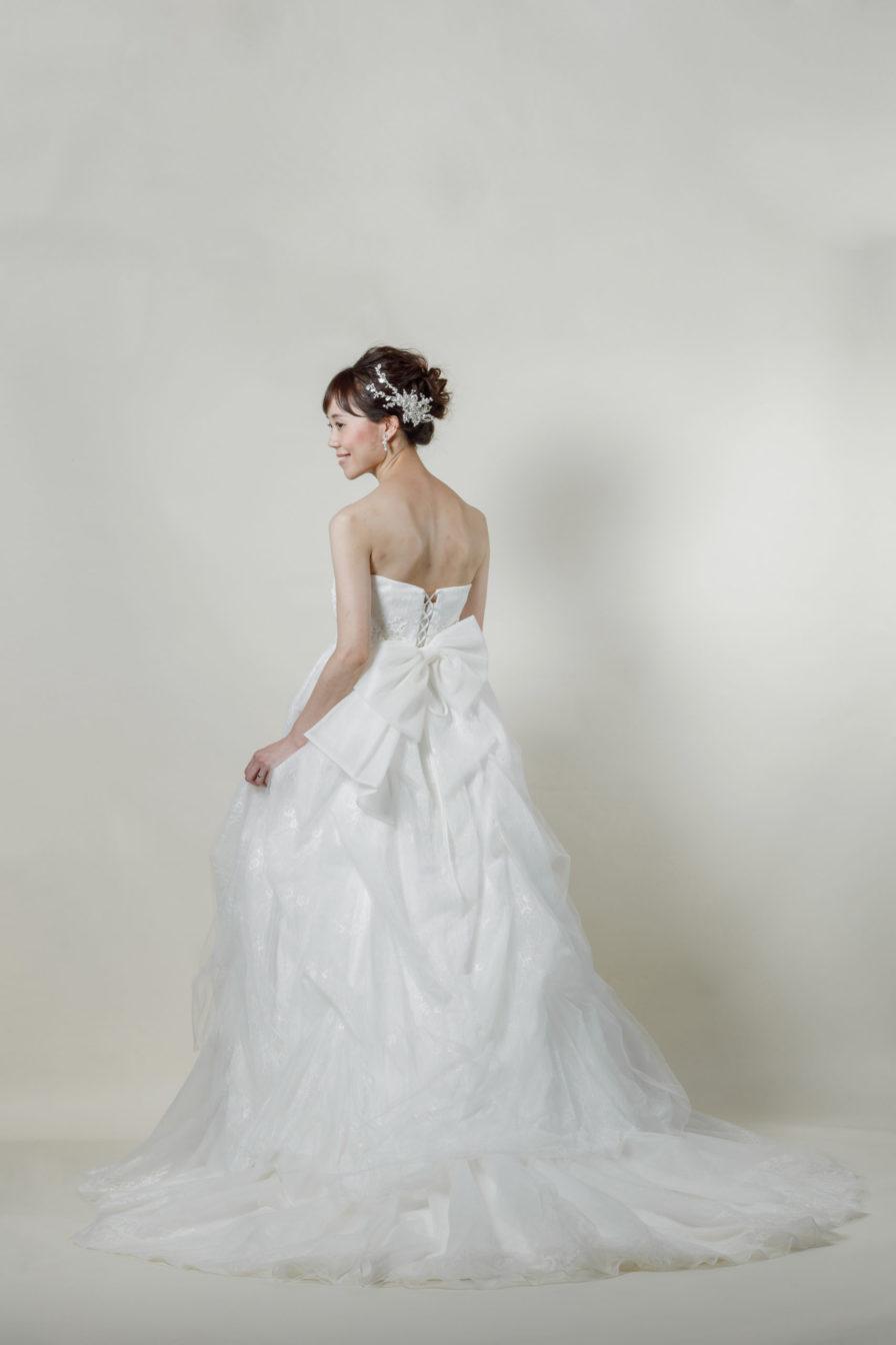 洋装 ウェディング ドレス 前撮り 後ろ向き画像 CH-5247 ラグジュアリーコレクション