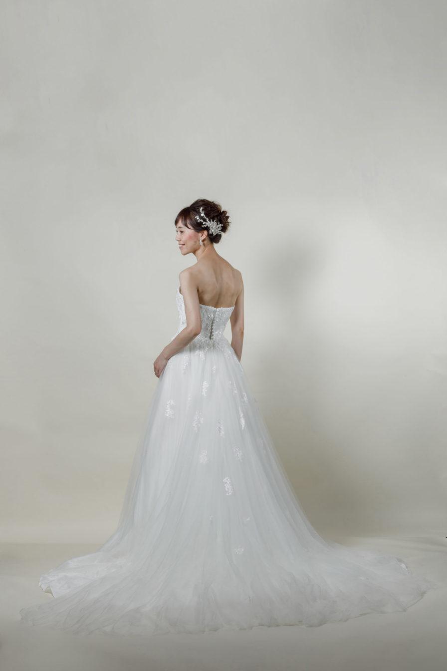 洋装 ウェディング ドレス 前撮り 後ろ向き画像 RI-8016 ラグジュアリーコレクション
