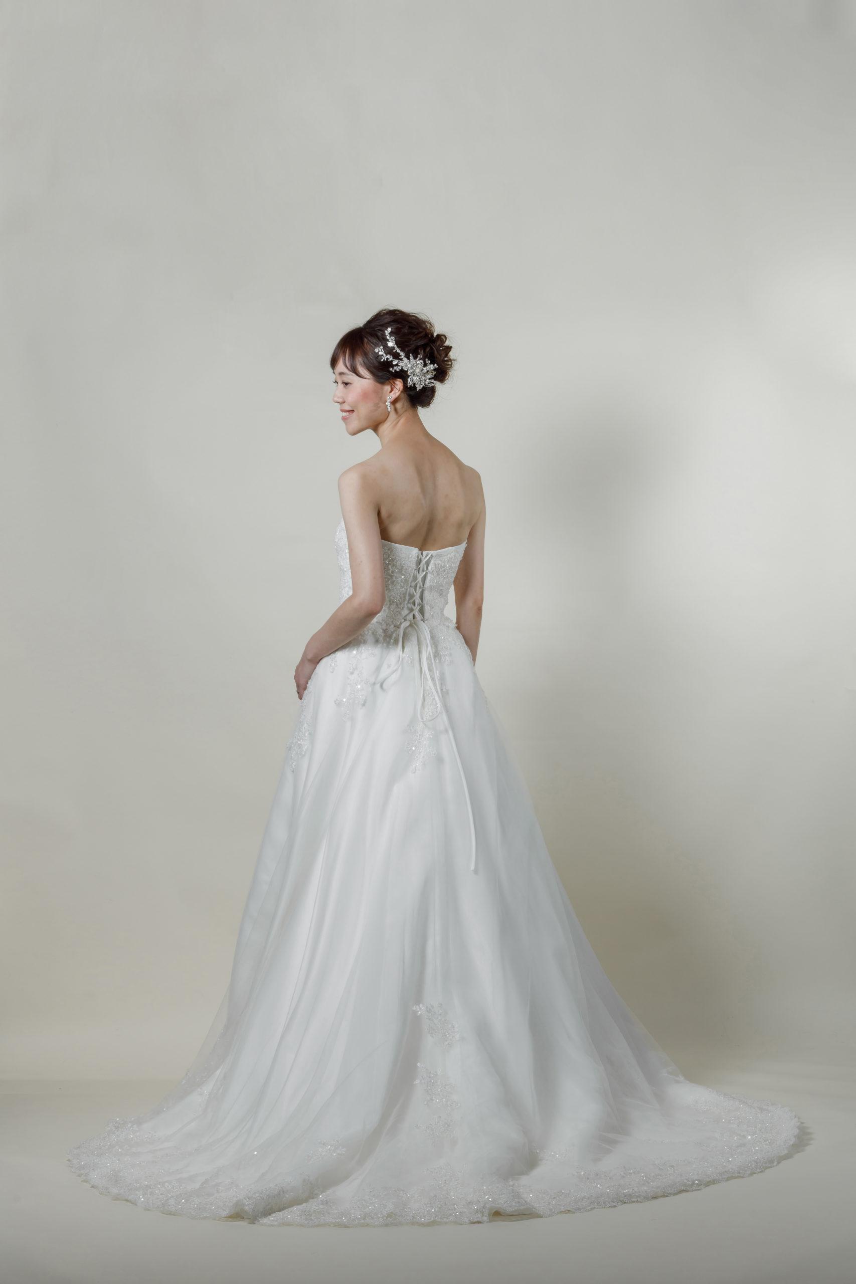 洋装 ウェディング ドレス 前撮り 後ろ向き画像 CR-1390-A ラグジュアリーコレクション