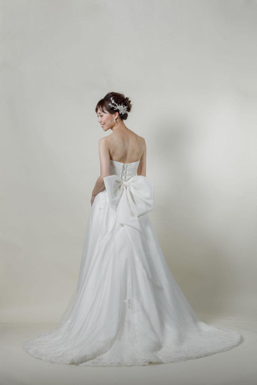 洋装 ウェディング ドレス 前撮り 後ろ向き画像 CR-1390-B ラグジュアリーコレクション
