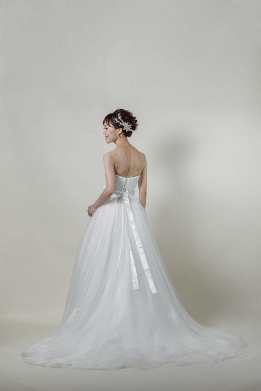 洋装 ウェディング ドレス 前撮り 後ろ向き画像 CA-606-A ラグジュアリーコレクション